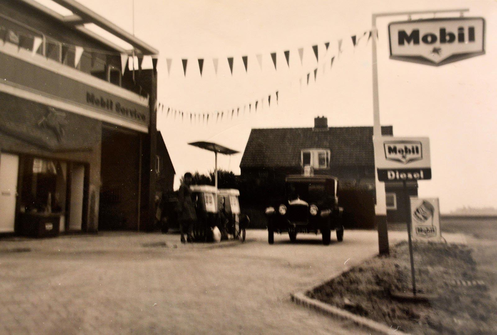 Over ons - Feestelijke opening van de garage in de F.A. Wentstraat - 1966