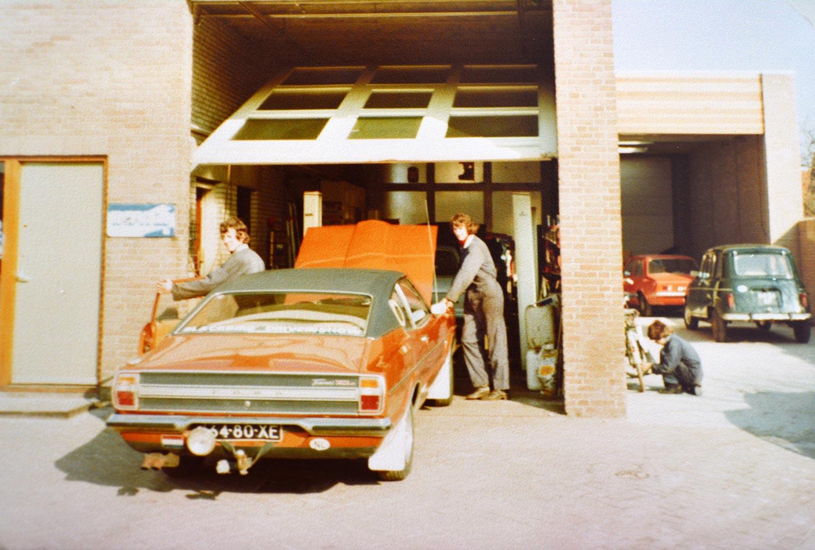 Over ons - Uitbreiding van de garage in de F.A. Wentstraat - 1977