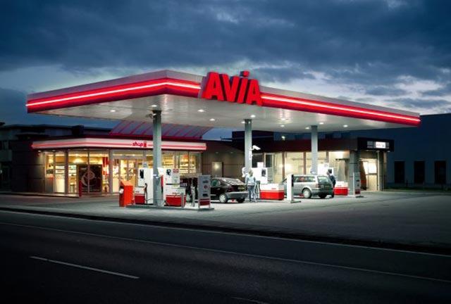 Garage Schreuder - AVIA - Tankstation - Verkoop bezine en diesel